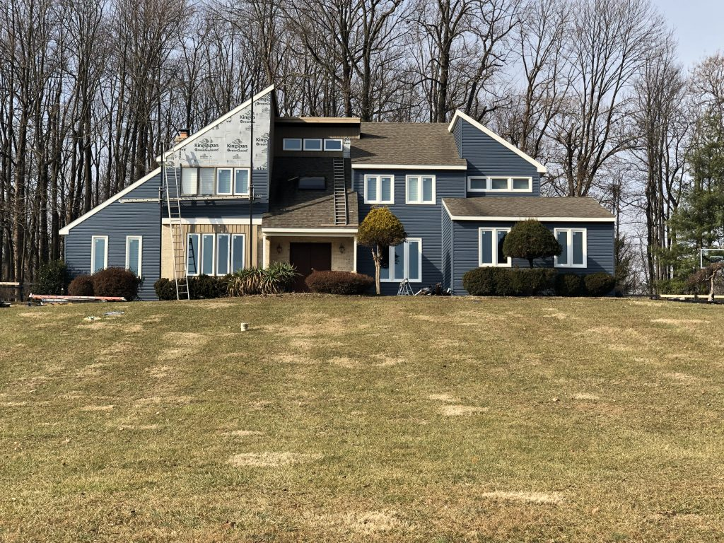 Top Benefits From a Roofing and Siding Remodel